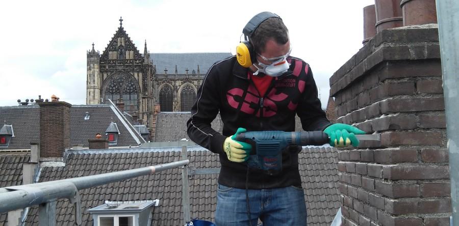 Schoorsteen- en dakrenovatie in Utrecht