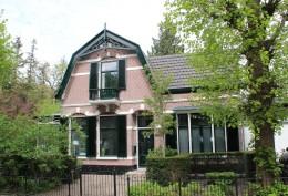 Reconstuctie en restauratie 19e eeuws woonhuis.